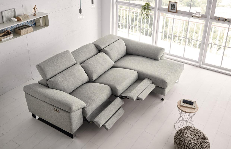 cloe-chaise-2